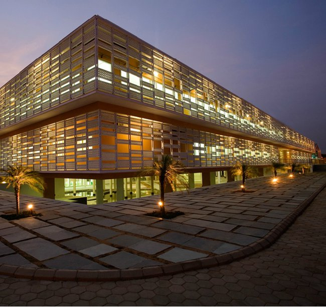 Architect uses ancient techniques to cool modern building in india matter of trust Home architecture in jaipur